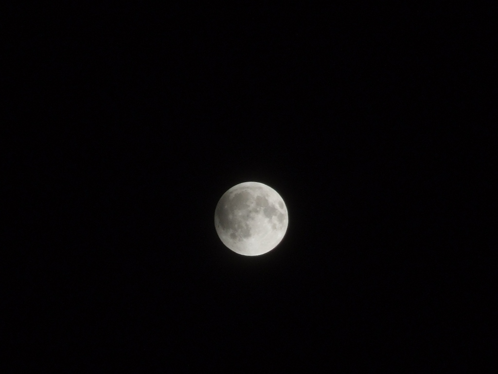 20111210 21:30eclipse of the moon