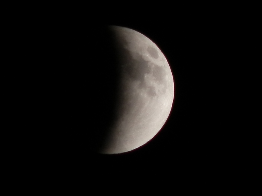 20111210 22:24eclipse of the moon