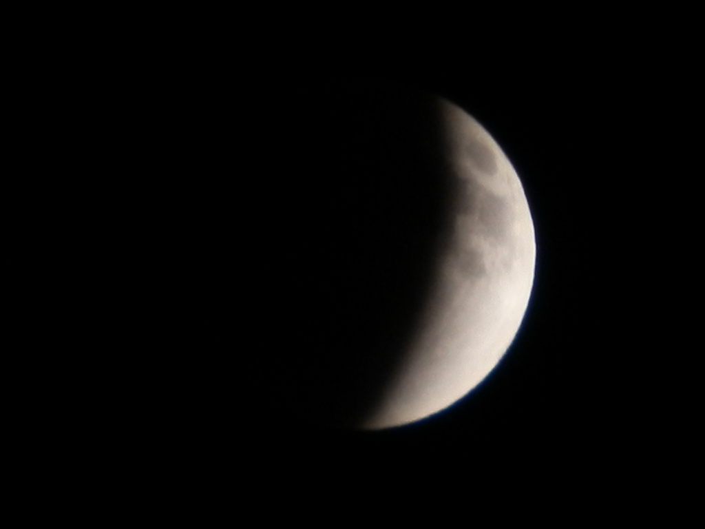 20111210 22:36eclipse of the moon