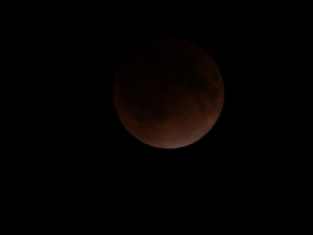 20111210 23:21最大皆既total eclipse of the moon