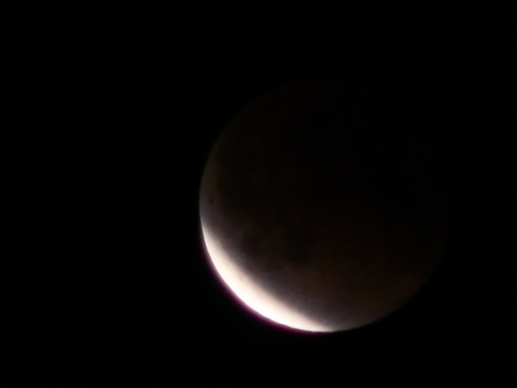 20111211 0:07 eclipse of the moon